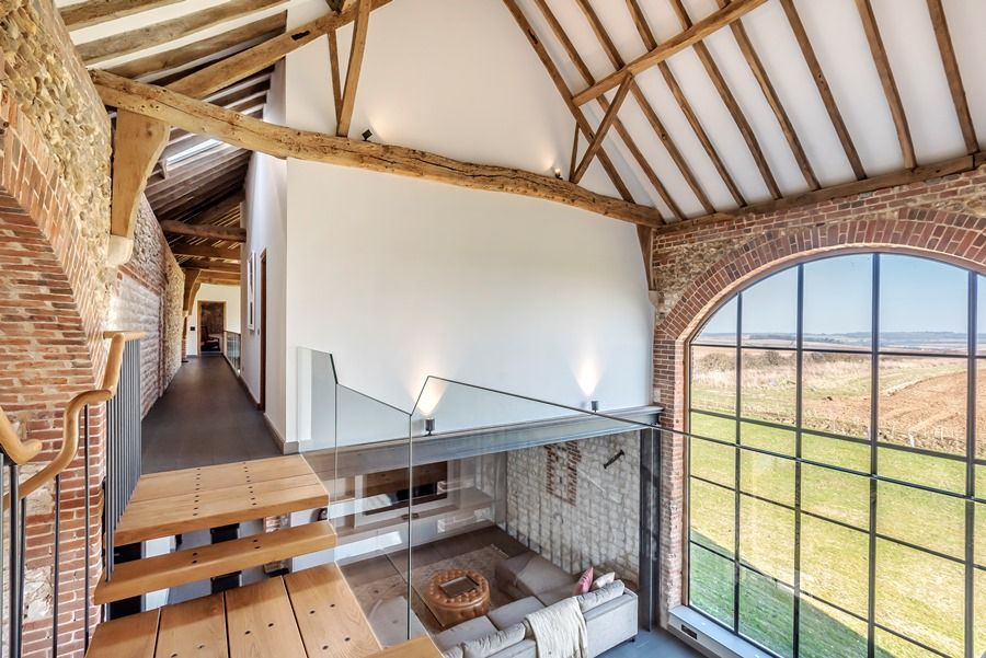 Beacon Hill Barn | Landing with fab views