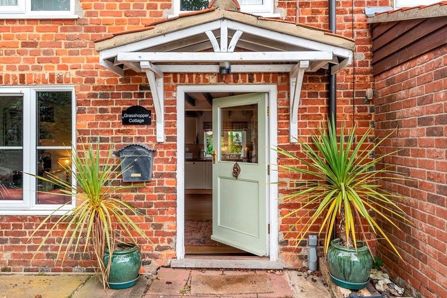 Grasshopper Cottage | Front door
