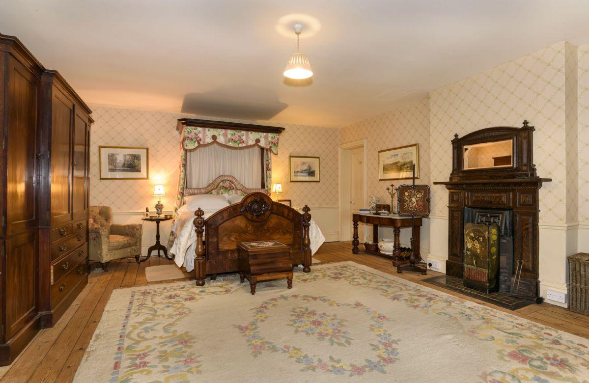 First floor: Master Suite