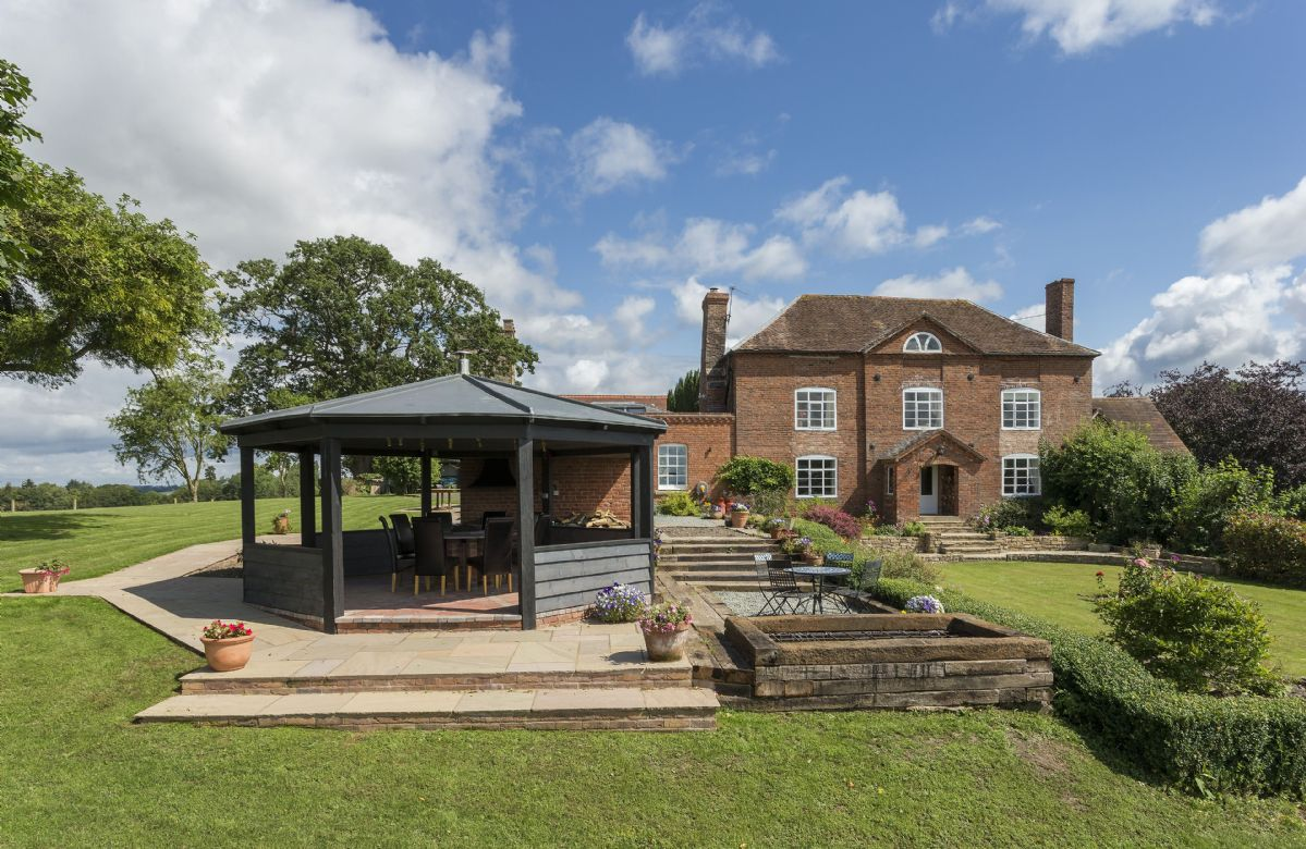 Broad Meadows Farmhouse (8 Guests), Worcestershire, England