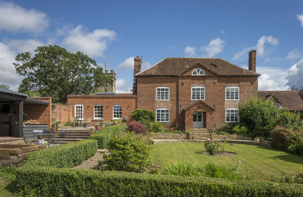 Broad Meadows Farmhouse is a beautiful Queen Anne style property dating back to the 1690s