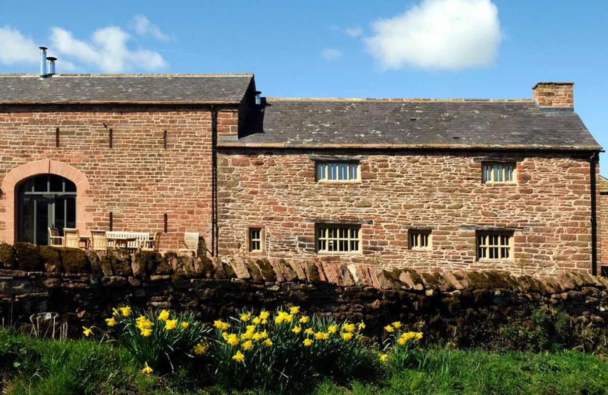 Original features including old ship timber oak beams, oak mullion windows, flagged stone floors, open fires and stone staircases
