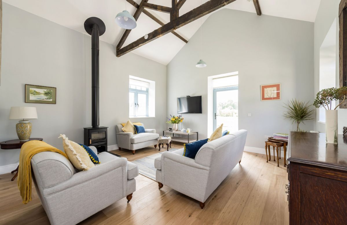 Tothery Cottage : Ground floor sitting room with wood burning stove