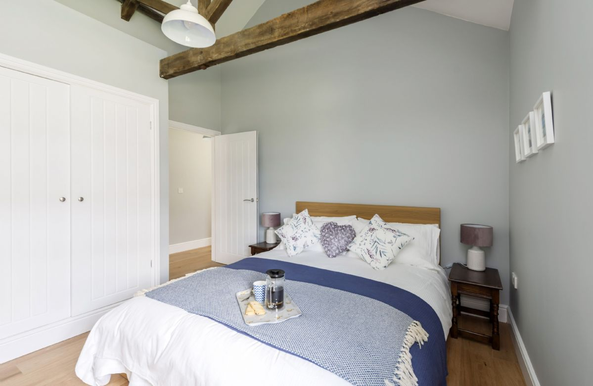 Tothery Cottage: Ground floor bedroom two with king-size bed