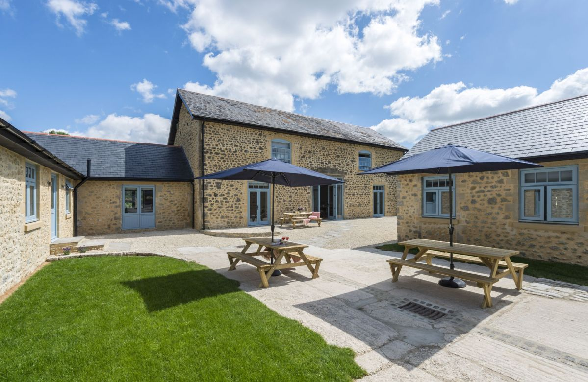 Also at Stapleford Farm Cottages are Drackenorth Lodge and Bower Cottage. All three can be booked together to sleep 20 guests.