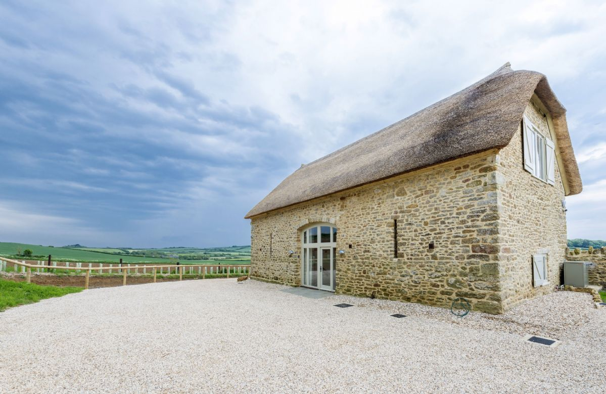 Merry Hill Barn is located in a picturesque setting surrounded by beautiful countryside views
