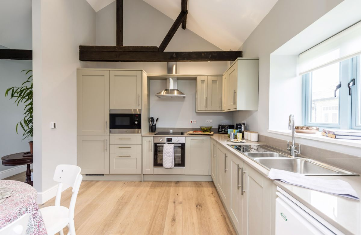 Tothery Cottage: Ground floor kitchen and dining room