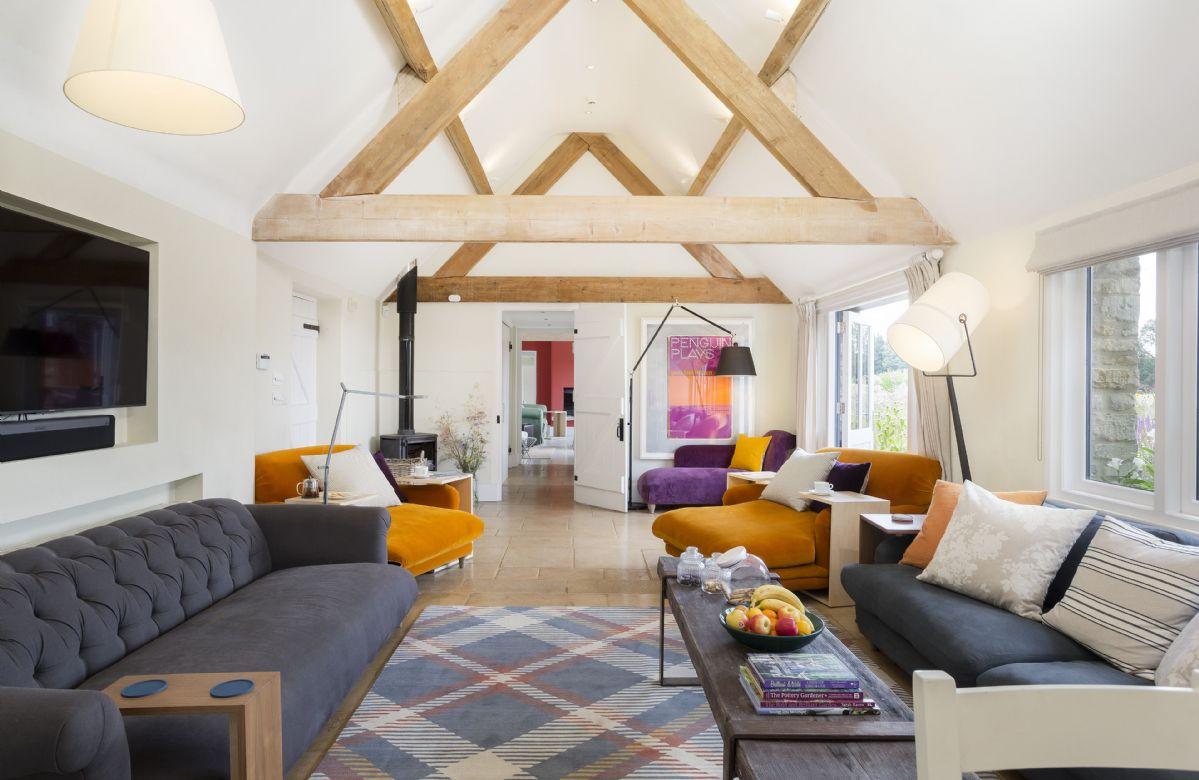 Ground floor: Spacious open plan living area