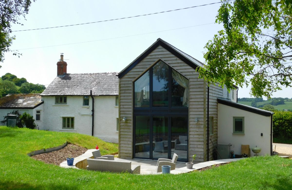 Oak Tree Cottage is the perfect base for a family getaway in the glorious Dorset countryside