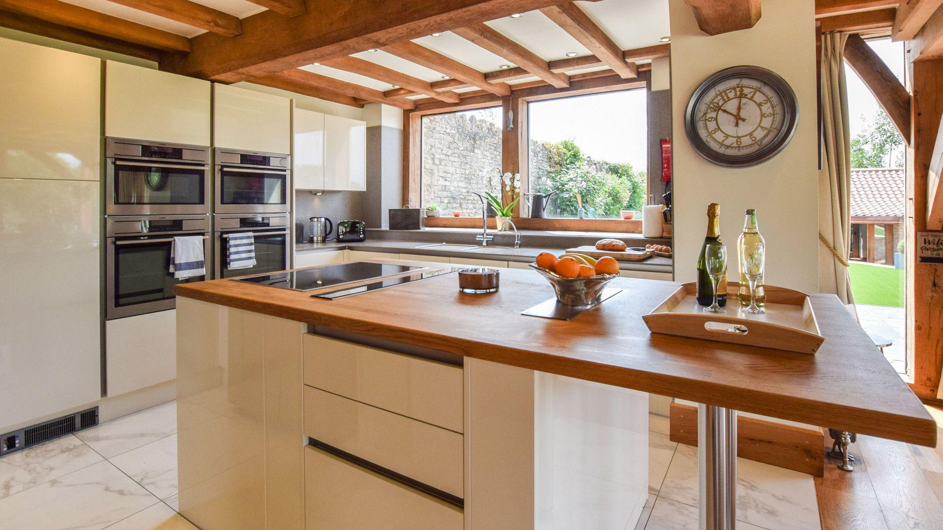 Kitchen, Old Oak House, Bolthole Retreats