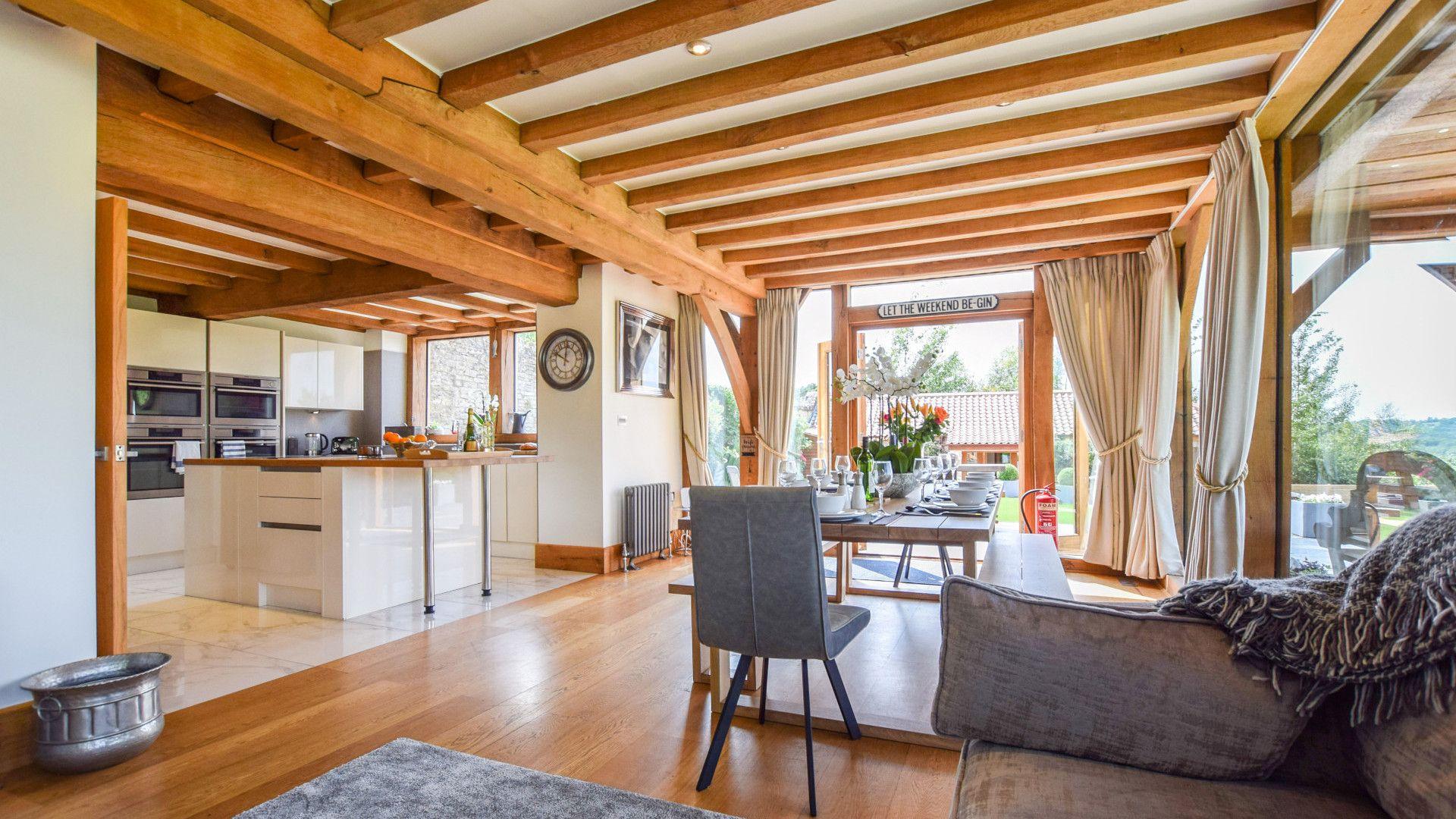 Living/dining area, Old Oak House, Bolthole Retreats