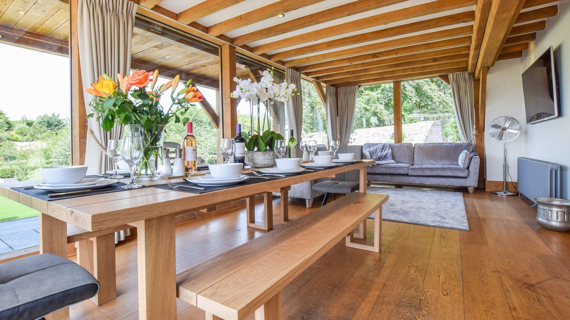 Dining/living area, Old Oak House, Bolthole Retreats