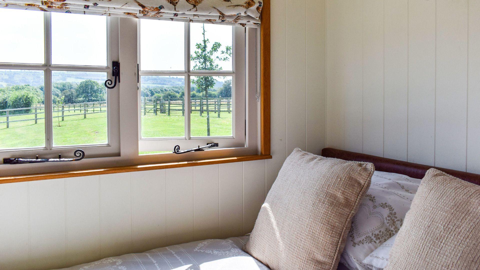 Bed and views, Shepherds Hut at Avon Farm, Bolthole Retreats