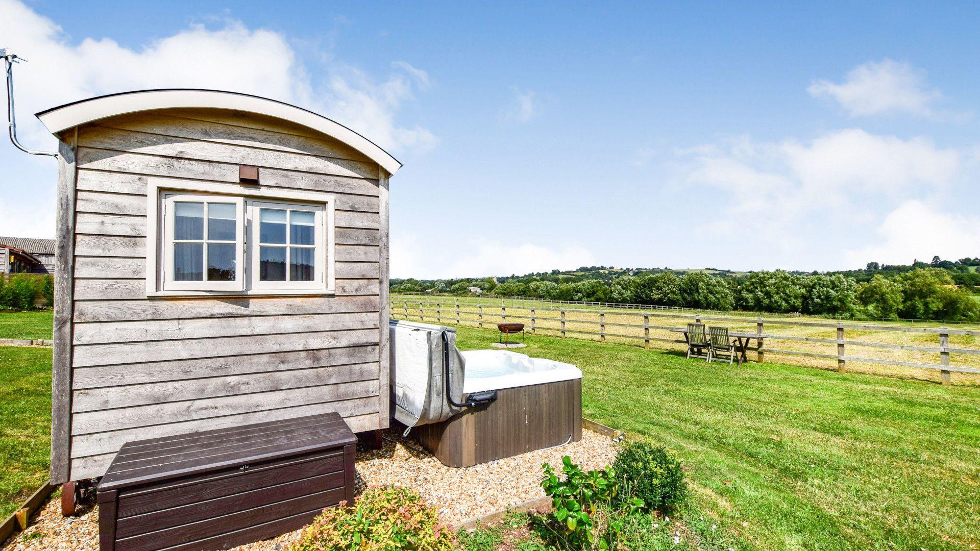 Shepherds Hut at Avon Farm, Bolthole Retreats
