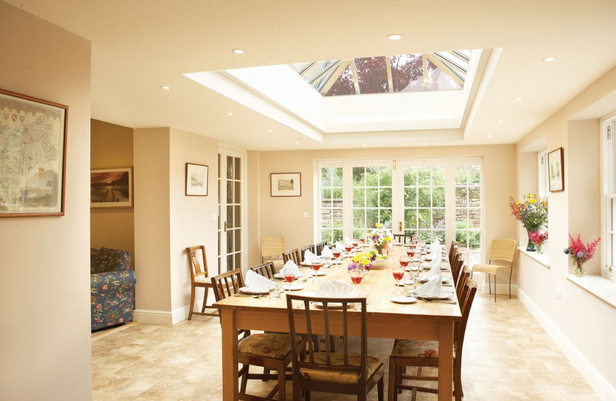 Ground floor: Light and spacious orangery dining area