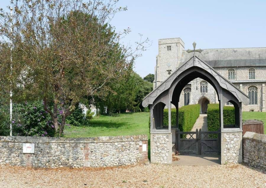 Sandpiper Cottage | Thornham church opposite