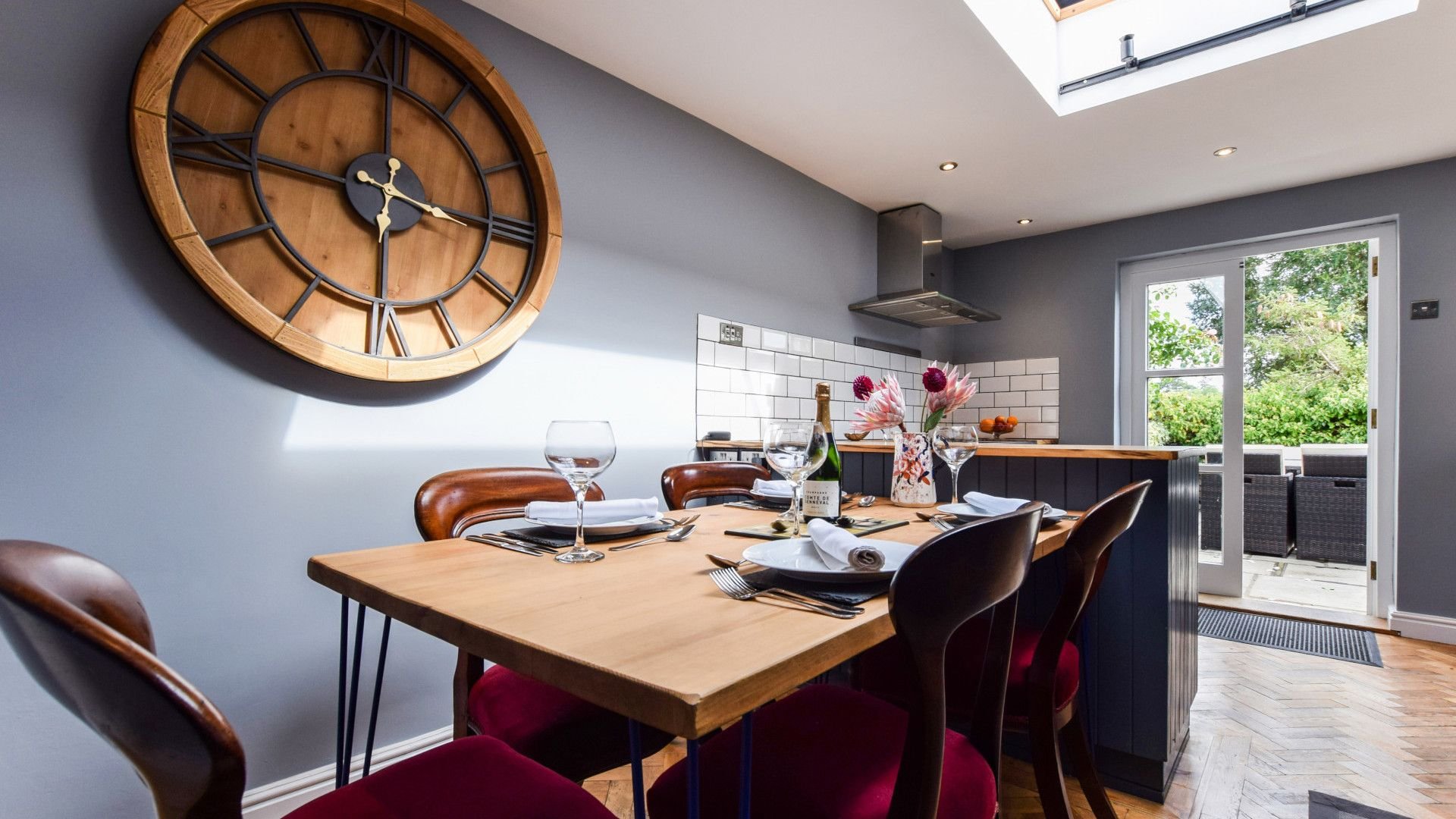 Kitchen-diner with dining table,  27 Horsefair, Bolthole Retreats