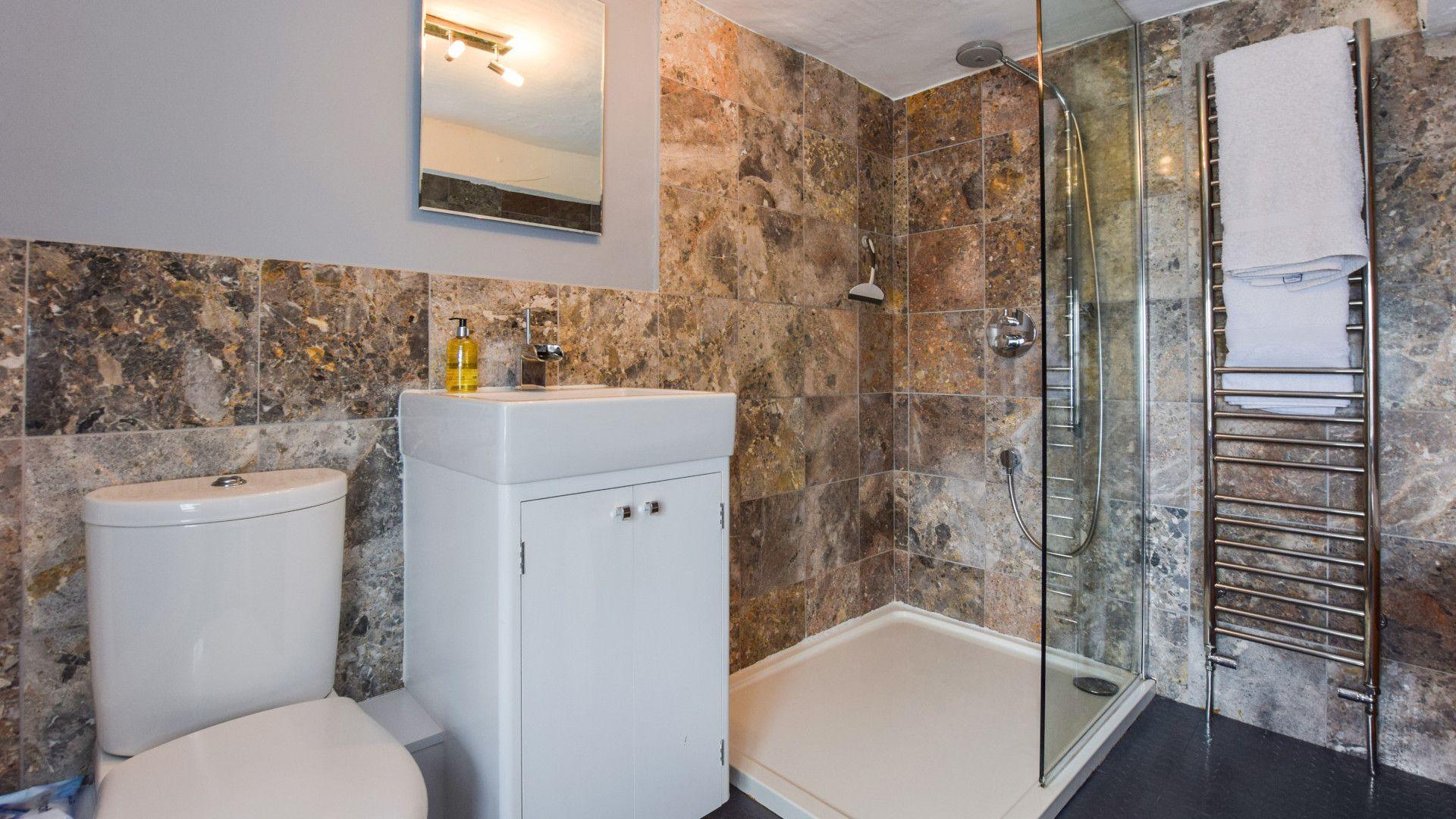 Bathroom,  27 Horsefair, Bolthole Retreats