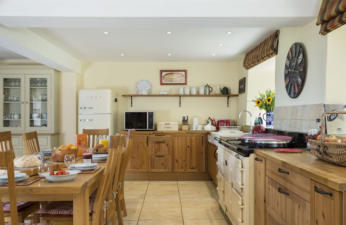 Ground floor: Large fully equipped kitchen with large dining area