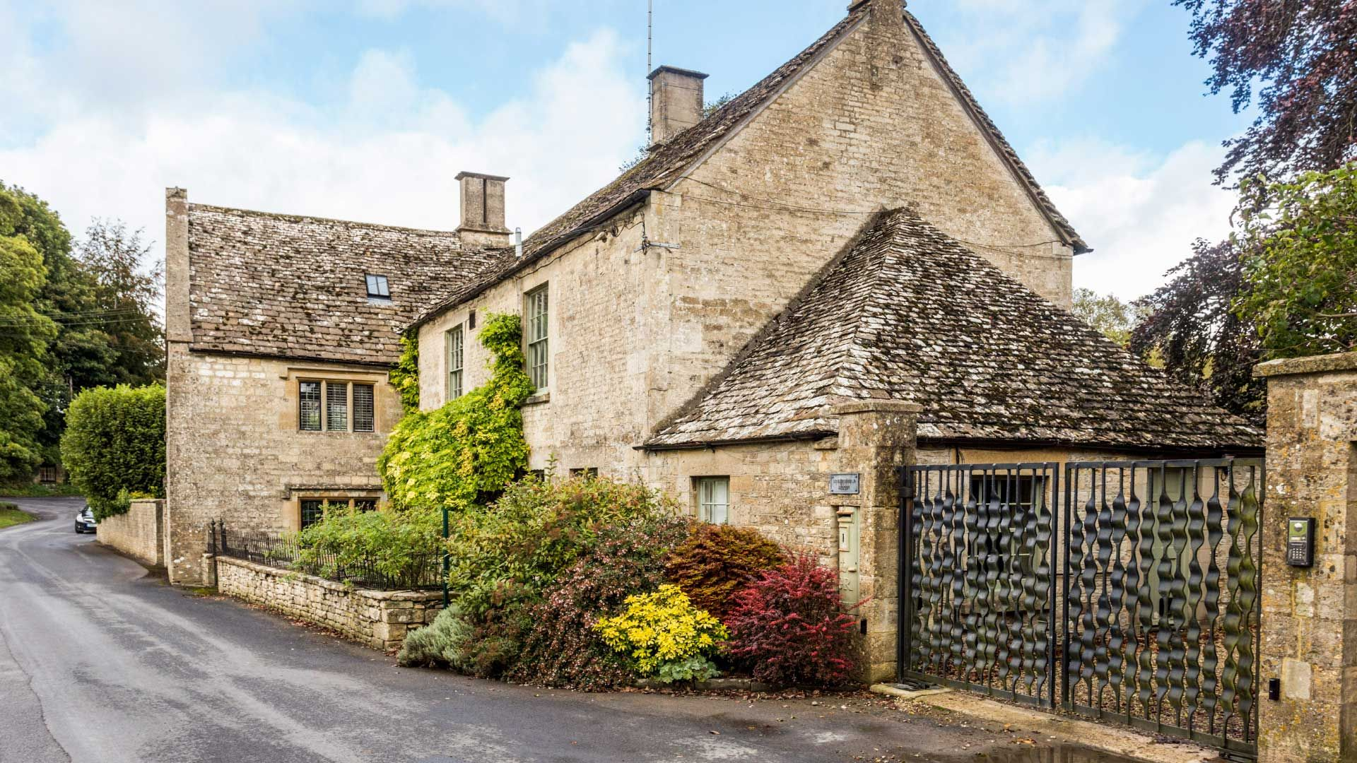 Brimpsfield House - StayCotswold