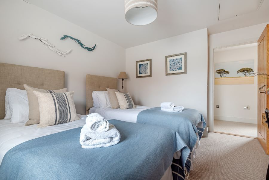 Oystercatchers | Bedroom 2