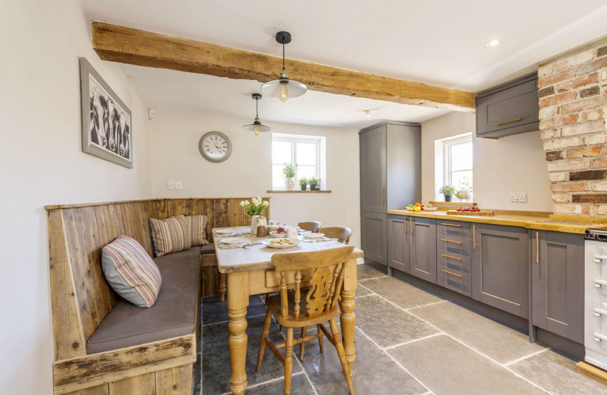 Ground floor: Kitchen and dining room