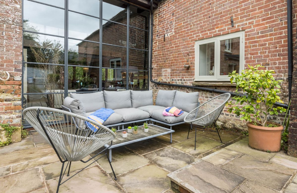 Relax on the garden furniture on the terrace