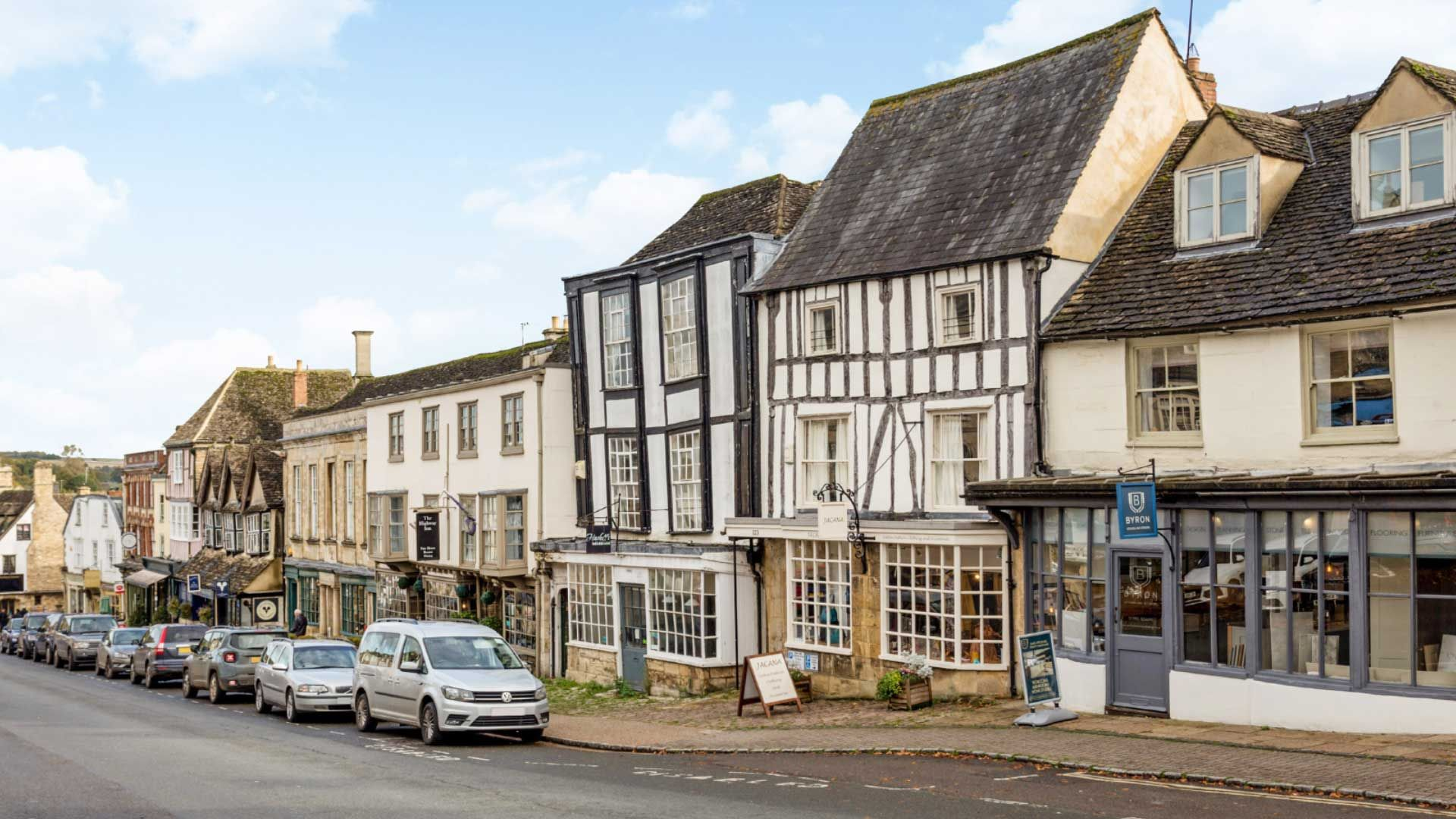Burford Apartments - Burford High Street - StayCotswold