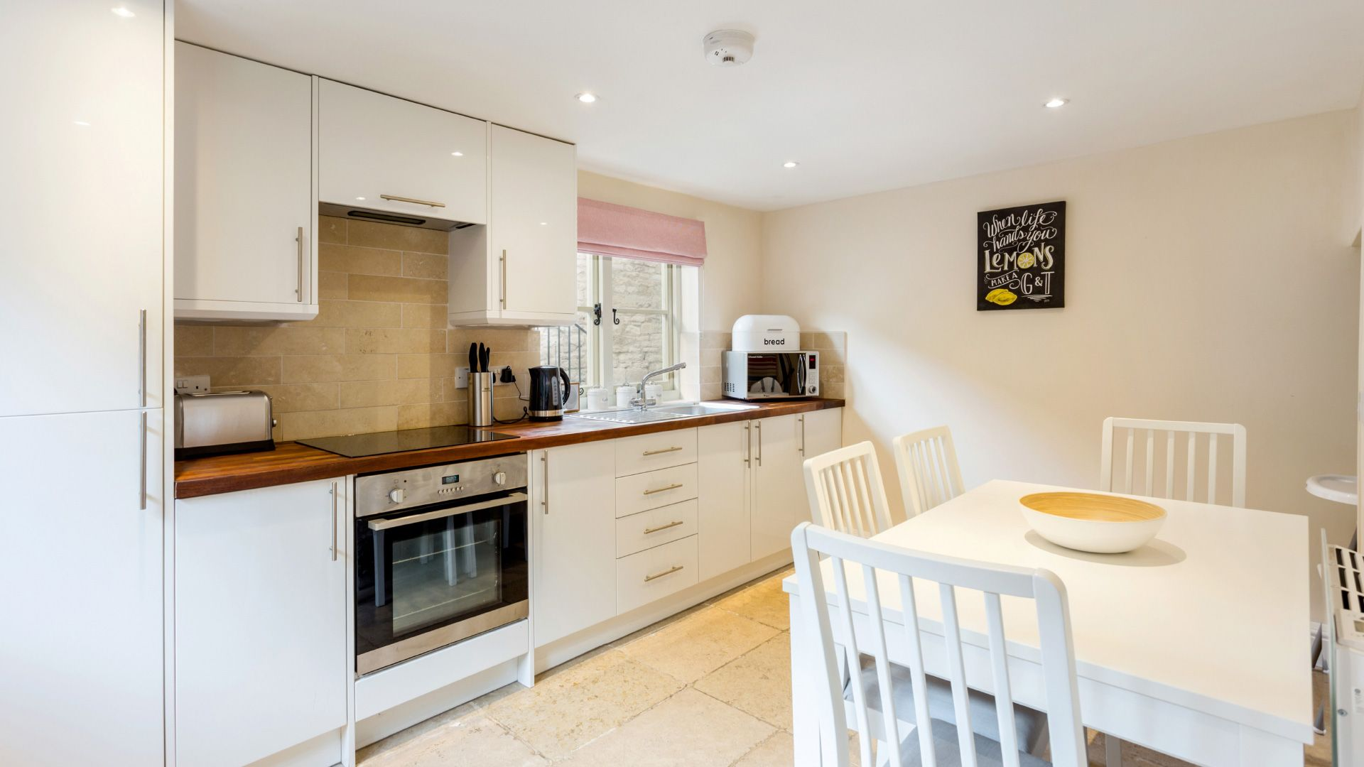 Evenlode Apartment Kitchen - StayCotswold