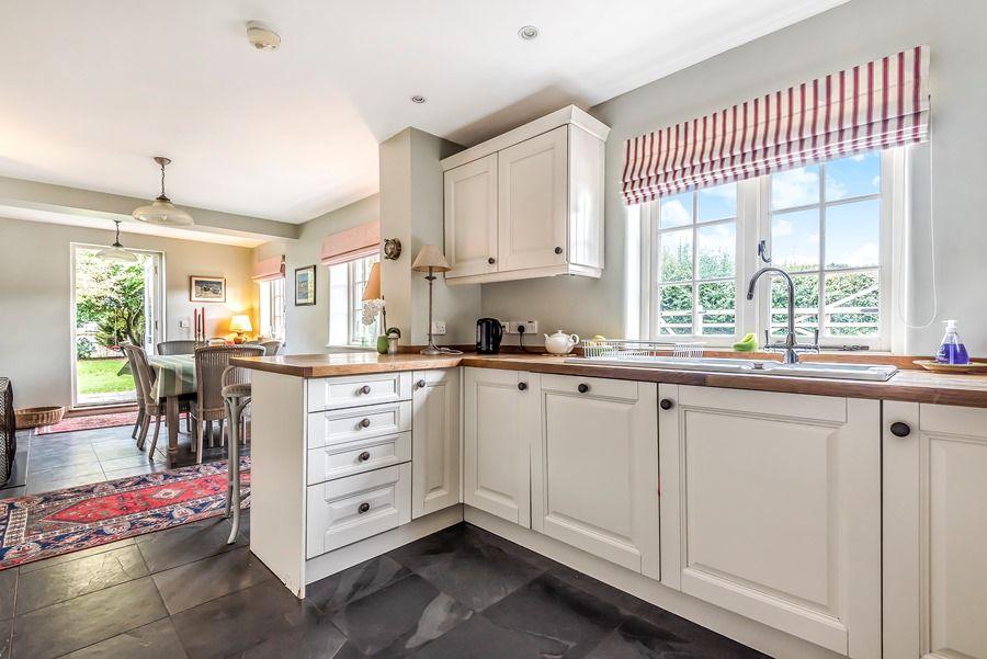 Pebble Cottage | Kitchen
