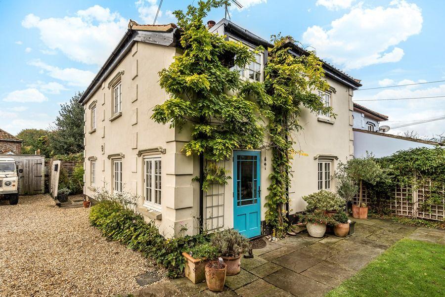 Pebble Cottage | Outside