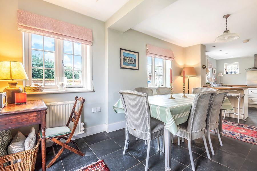 Pebble Cottage | Dining area