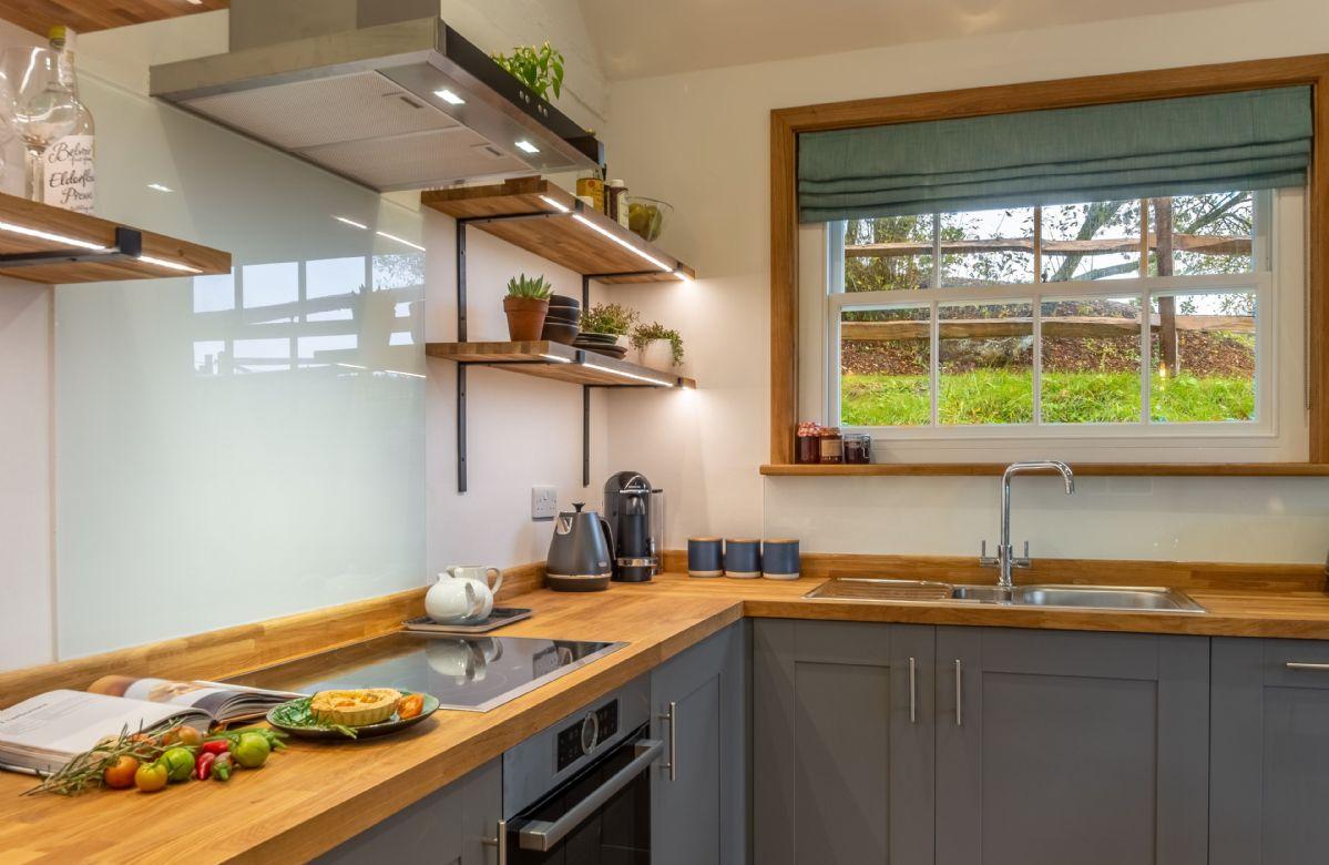 Ground floor: Well equipped kitchen