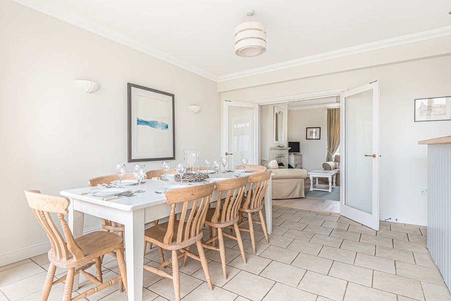 Sandpiper Cottage Titchwell | Dining table