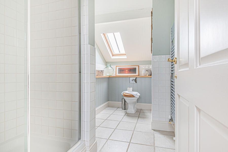 Sandpiper Cottage Titchwell | Bedroom 1 en-suite