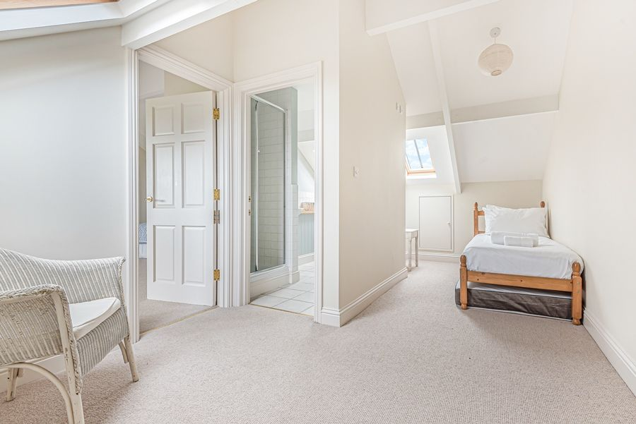 Sandpiper Cottage Titchwell | Bed on top floor landing