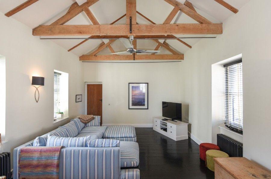 Dogger Inn with Attic | Family room