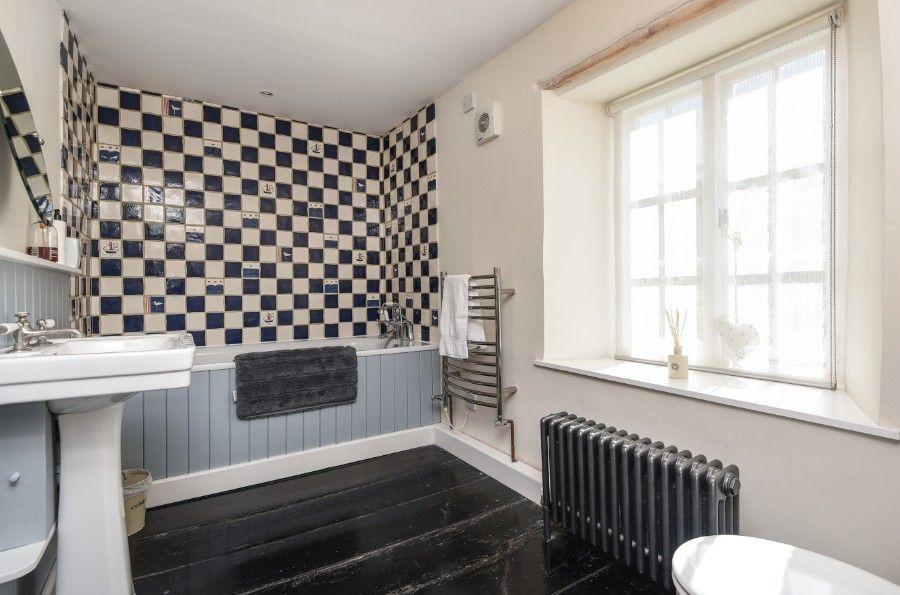 Dogger Inn with Attic | Family bathroom
