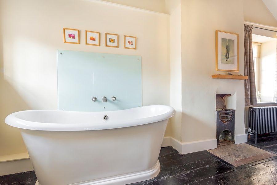 Dogger Inn with Attic | Bed 1 bath
