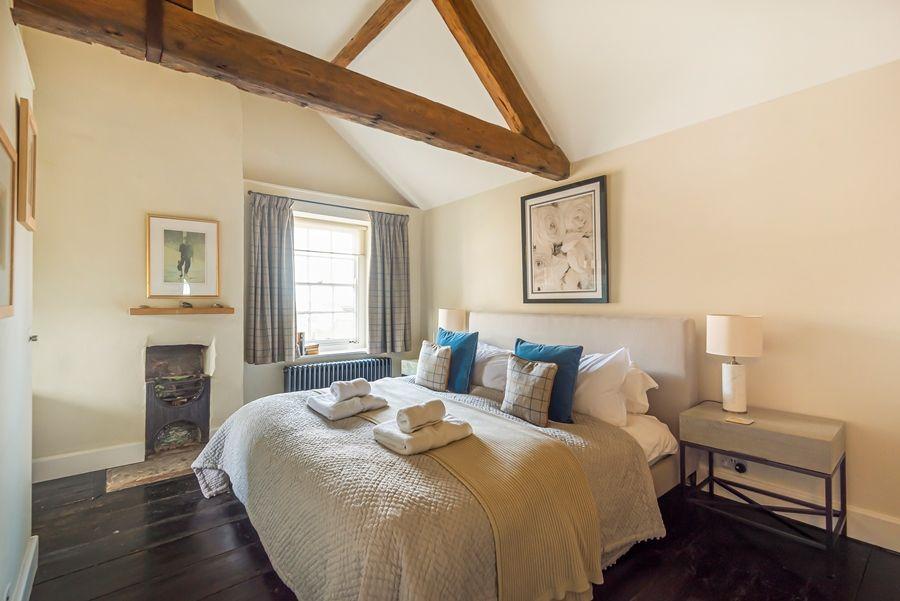 Dogger Inn with Attic | Bedroom 1
