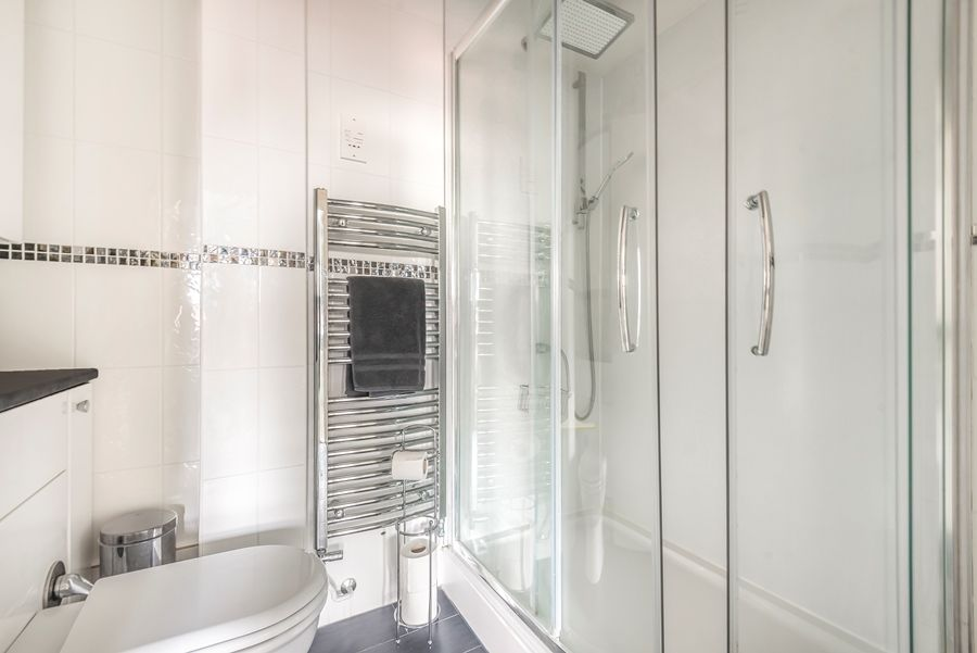 4 Pauls Maltings | Shower room