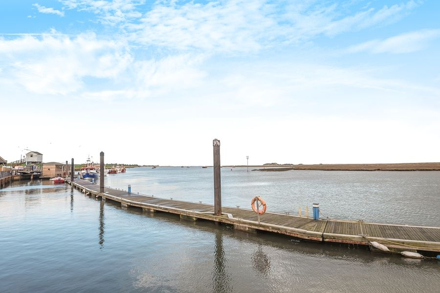 4 Pauls Maltings | Wells harbour