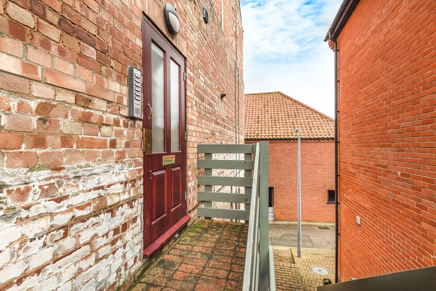 4 Pauls Maltings | Access via external staircase