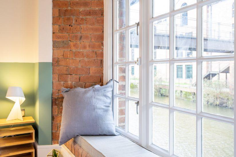 No.18 - Waterline Apartment