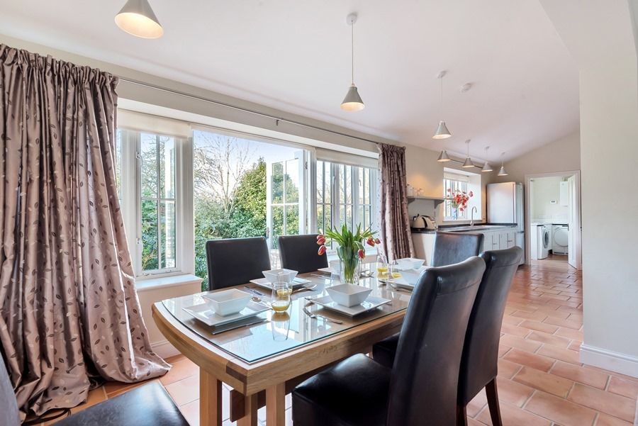 1 Waterhall Cottages | Dining table