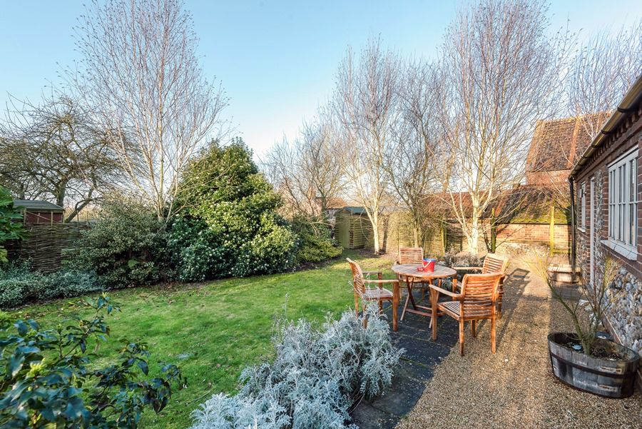 1 Waterhall Cottages | Winter garden