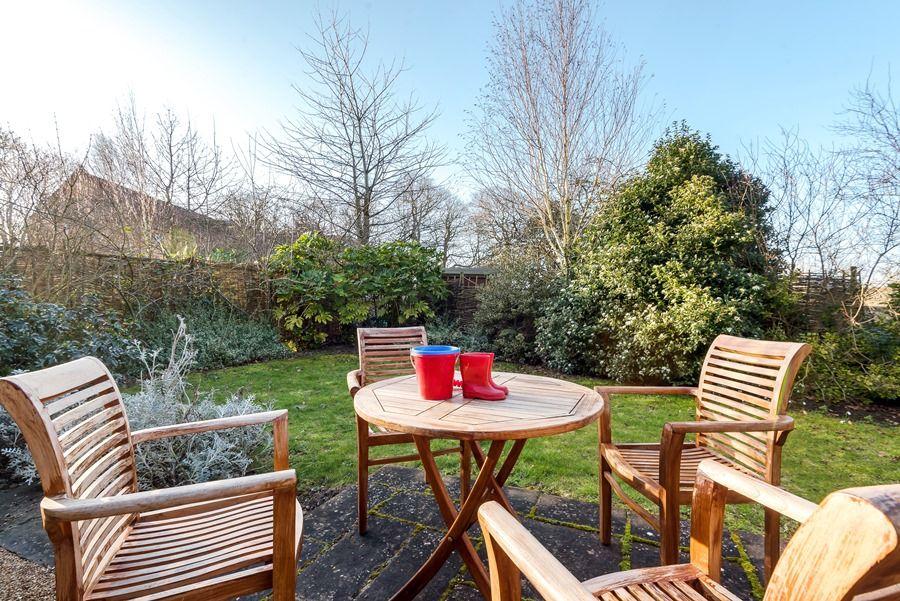 1 Waterhall Cottages   Garden