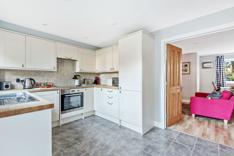 1 Smugglers Cove | Kitchen