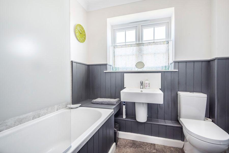 Mermaid Cottage 2 Bedroom | Bathroom