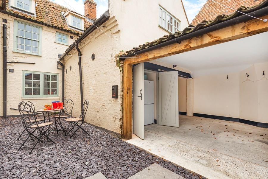 Butts Corner | Courtyard